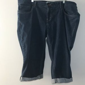 Plus Size Cuffed Denim Capri Pants Size 24